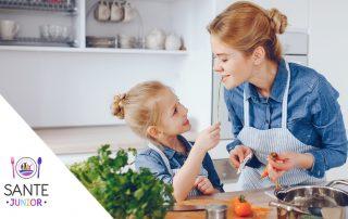 8 abilitati de bucatar incepator pe care copilul tau ar trebui sa le invete