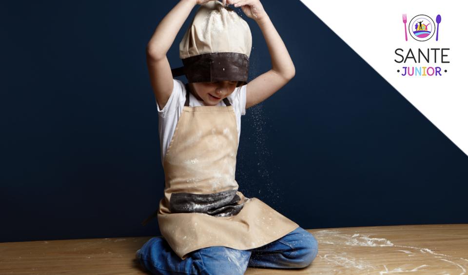 Cum sa-ti mentii copilul ocupat in timp ce gatesti